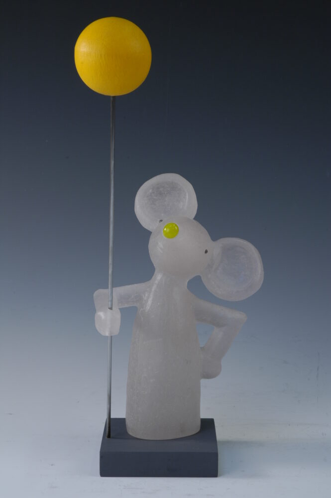 Reekie.-M-Pink-Mouse-With-Yellow-Balloon-Jan-2021-H33W14D15cm